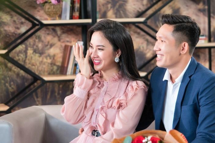 Những chia sẻ từ đáy lòng của chồng đã khiến Hoàng Mỹ Dung rơi nước mắt.