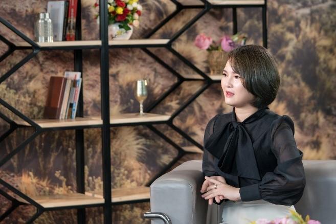 Cù Thị Việt Trinh xúc động khi kể về ba mẹ của mình.