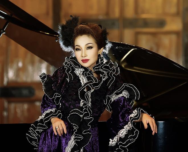Đức Xuân - giọng ca quê gốc Hải Phòng là cái tên quen thuộc từ những năm thập niên 80 - 90 ở các sân khấu ca nhạc, phòng trà TP.HCM.